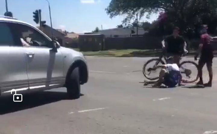Watch cyclist knocked over by a motorist